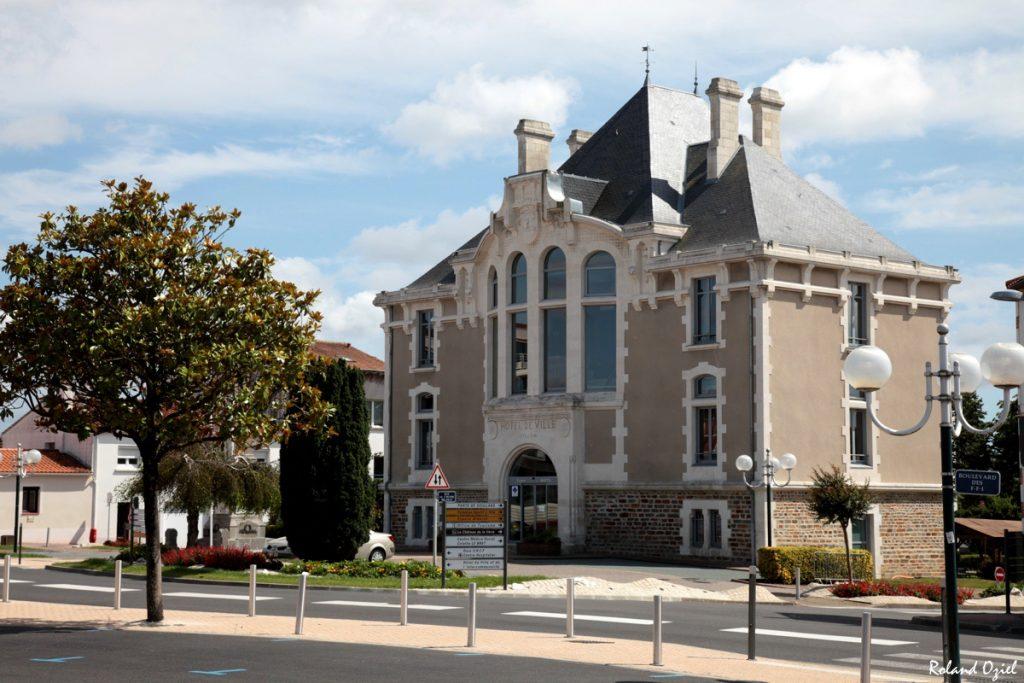 Photo ancien hôtel de ville de Challans en Vendée