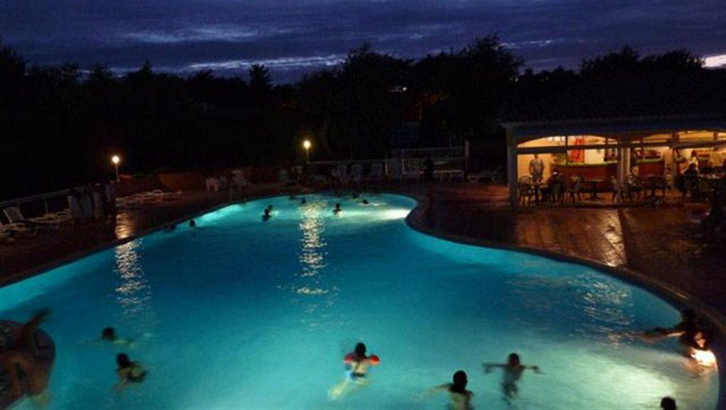 photo camping saint jean de monts vendee soirees piscine