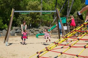 photo camping saint jean de monts vendee balancoires